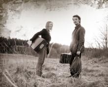 Folkmusikduon Ulrika Gunnarsson & Jonas Åkerlund bjuder på skivsläpp med dans!