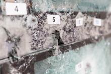 """Neuestes Lamellenfenstersystem """"GuardAir"""" besteht Prüfung für Durchschusshemmung mühelos"""