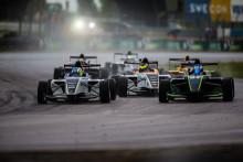 Tätt och ovisst bakom toppduon i Formula STCC Nordic