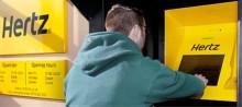 Fler hyr bil via Hertz självbetjäningskiosker