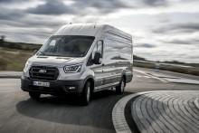 Bemutatkozik az legújabb Ford Transit - Kedvezőbb üzemanyag-fogyasztásával, teherszállító képességével és kapcsolódási lehetőségei tovább javítja a vállalkozások termelékenységét