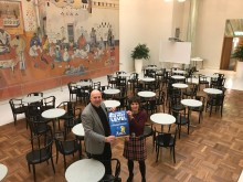 Riksdagen slår ett slag för bordtennis-VM i Halmstad