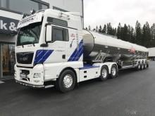 Melketransport med MAN HydroDrive og semitrailer