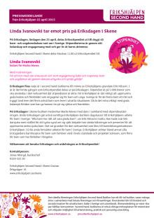 Linda Ivanovski tar emot pris på Eriksdagen i Skene