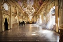 Regnbågsbröllop på Operan