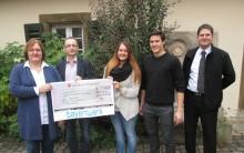 Bayernwerk unterstützt Diakonie Neuendettelsau in Himmelkron - Auszubildende spenden Erlös aus 25-jährigem Jubiläum des Ausbildungszentrums Bayreuth