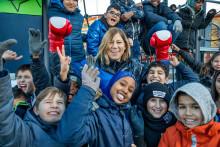 Olympier inspirerar barn i Upplands-Väsby att nå  100 varv runt jordklotet för en bättre värld