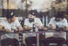 Circle K öppnar Sveriges största hamburgerkedja — Nu kan du äta kvalitetsburgare från KÄK på 295 ställen i Sverige