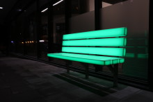 Örebros nya smarta soffor lyser upp i mörkret