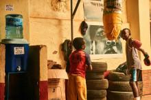 Corona-Prävention: Viva con Agua und prominente Unterstützer streamen 24 Stunden live für Wasserfilter in Uganda