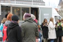 Svenska kyrkans Food truck-turné på Stortorget i Malmö söndagen den 23 mars