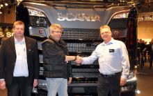 Scania-udstillingslastbil med special-opbygning solgt på standen