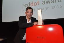 Bosch-kodinkoneiden suunnittelutiimi palkittu Red Dot Design Award 2015 -gaalassa