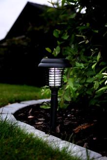 Solcellsladdad mygglampa LED - Lockar och dödar