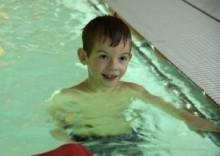 Simskola i sommar för barn från 5 år i simhallen på IKSU sport