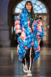 Modevisning på Nordiska museet