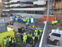 Ramirent serverar gulaschsoppa på projektet Signalen 3 i Solna
