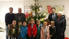 """Fröhliche Weihnachten für alle Kinder- Auf zum """"Wunschzettel-Pflücken"""" in der Sparkassenfiliale Grevenbroich-Elsen!"""