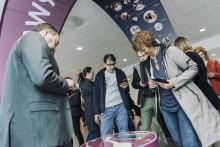 Åpnet utstillinger - Viser fram norsk skaperkraft på flyplassene