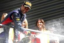 Daniel Ricciardo vann sitt andra raka GP med en tvåstoppsstrategi