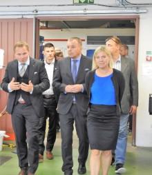 Magdalena Andersson, finansminister på besök i Gnosjö.