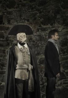 TEATERKUNGEN - historiskt skådespel - visas i  Livrustkammaren 16 mars