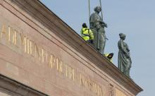 Damerna på Konstakademiens tak är tillbaka