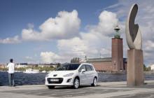Sverigepremiär för nya Peugeot 308 - Från 98 gram CO2 / km med mikrohybrid till klassikern 308 GTi
