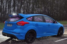 Wohlfühl-Studie von Ford: Vergessen Sie Küssen, Fußball und Tanzen – holen Sie sich einen Sportwagen