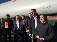 Community celebrates arrival of first blades at Ararat Australia