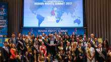 Lanserar årslång kampanj fram till 70-årsdagen av den Allmänna Förklaringen om Mänskliga Rättigheter