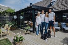 """""""Så mycket bättre"""". Familjen Swärd skapade sitt drömhäng i Skanör (text och video)"""