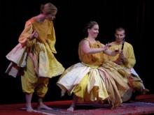 Ny teaterlokal invigs med barnteaterkavalkad