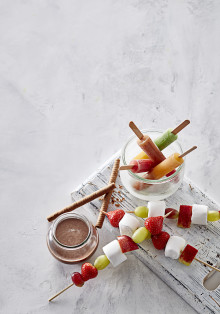 Magic Mix med chokoladesauce og marshmellowspyd