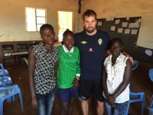 Fotbollens betydelse för samhället i Kenya, del 2: spelarna Monicah Wangari, Jane Lyn Akiny och Ann Chege
