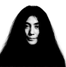Yoko Ono markerer 5o års bryllupsdag med John Lennon