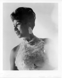 "ARETHA FRANKLIN, ""The Queen Of Soul"", fylder 75 !"