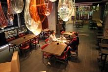 Zufluchtsort für Genießer: Weinhandlung Château9 bietet über 350 verschiedene Weine an