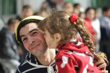 Clowner får syriska flyktingbarn att börja leka igen