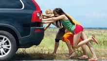 SBM lanserar sommarförsäkring med väghjälp