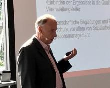 Fußball-Bundesliga: Prof. Dr. Michael Nagy mit Vortrag bei Vollversammlung der Behinderten-Fanbeauftragten in Köln - HdWM baut Beratung für Profi-Fußball weiter aus