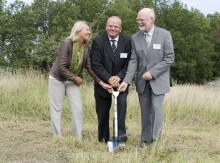 Jordbruksministern tog första spadtaget för nytt forskningscentrum