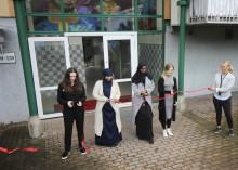 Familjebostäder inviger konstverk av ungdomar på Grevegårdsvägen