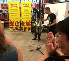 Reggaeartist från Nairobi släpper musik i Sverige