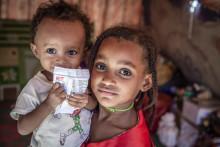"""Jemen: """" Barn dödas inte bara av bomber och kulor, många dör också långsamt för att de nekas mat"""""""