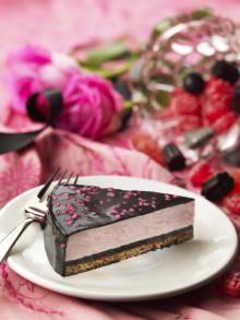 Almondy Raspberry & Salty Liquorice – Sveriges kaxigaste tårtnyhet.