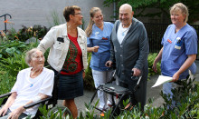 Drottningen diplomerar medarbetare på Norrtälje sjukhus