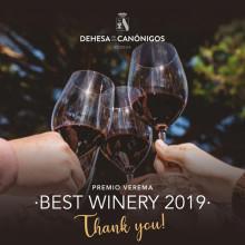 Stolta och glada - med Spaniens bästa vingård i portföljen!