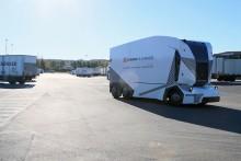 Nu inleds världens första kommersiella installation av självkörande, elektrisk lastbil
