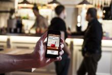 Världspremiär för att beställa och betala med mobilen på krogen